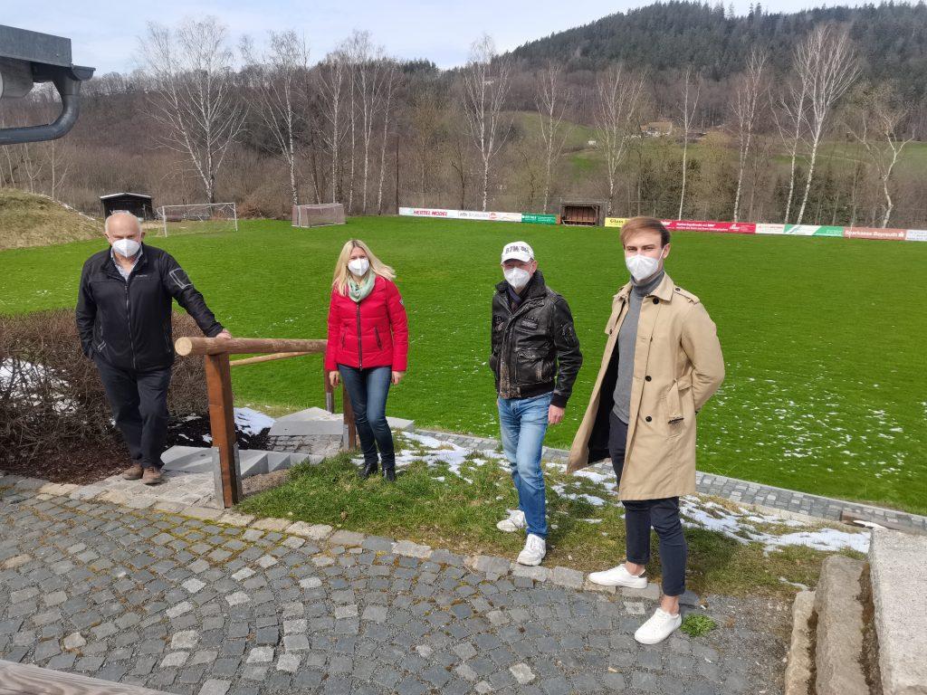 Sportplatz Bad Berneck neuer Kunstrasen
